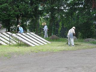 6月24日(水) 運動場草刈り